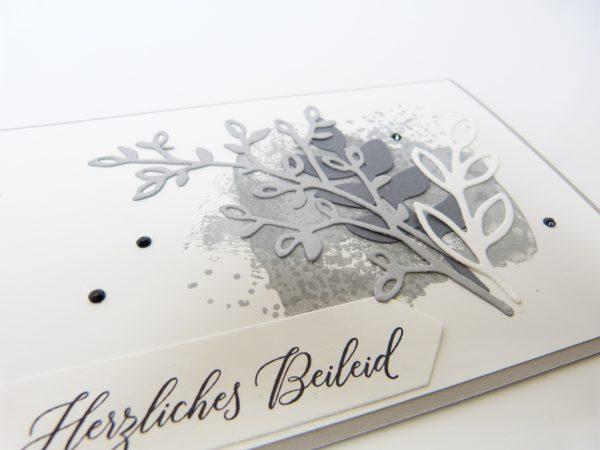 Trauerkarte, Schiefergrau, Blütentraum