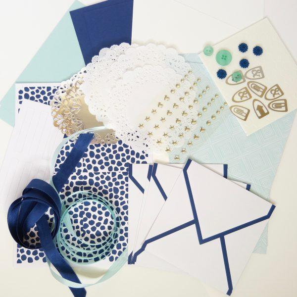 Vier Karten Marineblau